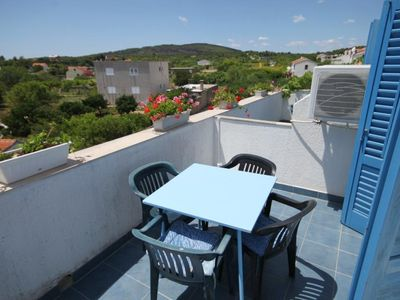 Photo for One bedroom apartment with terrace and sea view Sućuraj, Hvar (A-3589-b)
