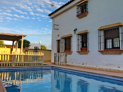 Photo for Stunning traditional rural villa, pool