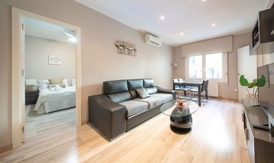 Photo for COMFORTABLE APARTMENT NEXT TO SAGRADA FAMILIA B377