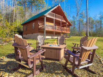 Brand New 1/2020  Amazing Views, Easy Access 15 minutes from Gatlinburg and PF!
