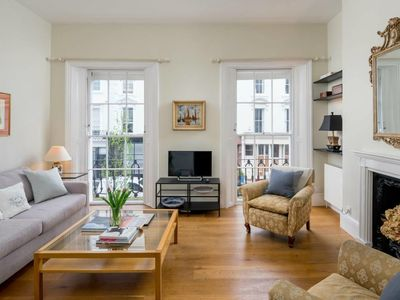 Photo for Bright flat for 6, near Victoria and Warwick sq.