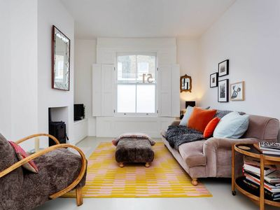 Photo for Wonderfully contemporary 2 BR home in Shoreditch area (Veeve)