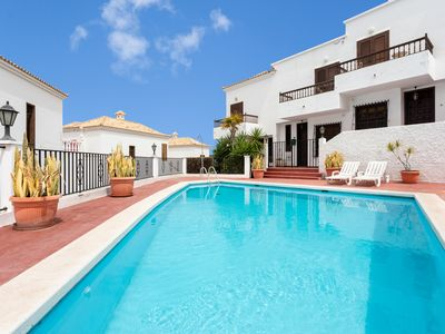 Photo for Chayofa Duplex with pool and only 5 min from Los Cristianos