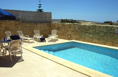 MARGIA holiday house swimming pool area