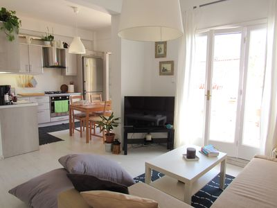 Photo for Cozy apartment in Plaka terrace Acropolis view