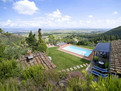 Photo for Villa in Colle Di Compito with 3 bedrooms sleeps 8