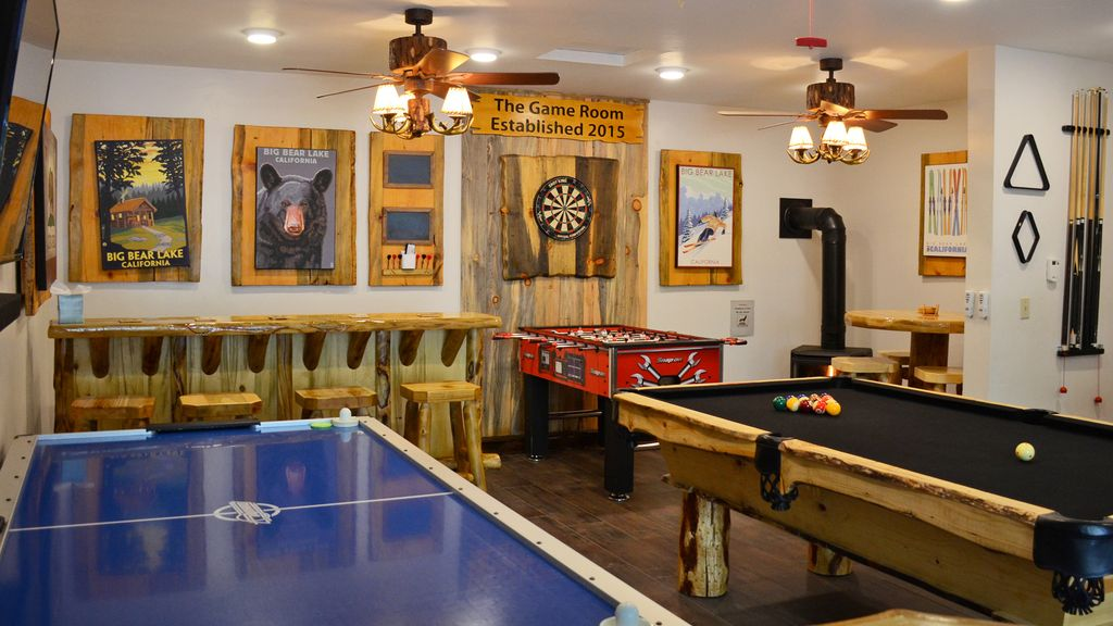Family Fun At The Game Room Pool Table Fo Vrbo
