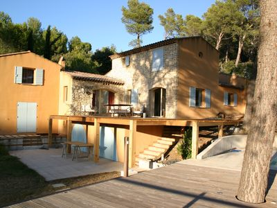 Photo for Villa with views in the Luberon, near Lourmarin