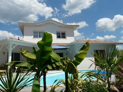 Photo for Beautiful villa 180 m2 with swimming pool (Arcachon Bay)