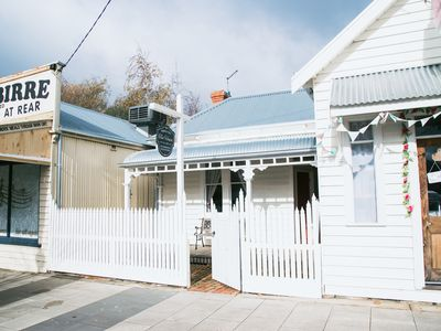 Photo for Birregurra Tea House : Cracker rear courtyard with fire pit , bar & stage