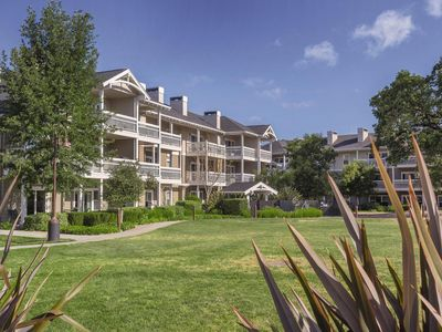 Photo for 2 BED 2 BATH UNIT IN WINDSOR, CA - A Superb Sonoma County Stay