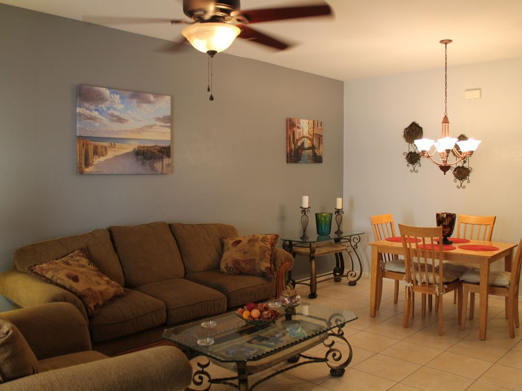 1st Floor Condo Close To Shopping Minutes From The Beach Gated Community Fort Myers Florida