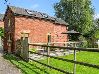 Photo for 1BR Cottage Vacation Rental in Sandbach