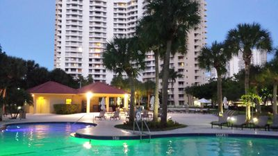 Photo for Totally renovated apartment in the Heart of Aventura
