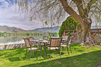 A brand new vacation rental home on Lake Osoyoos  is the perfect place to stay!