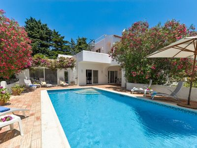 Photo for Charming villa with lots of personal touches, air-conditioning & large gardens