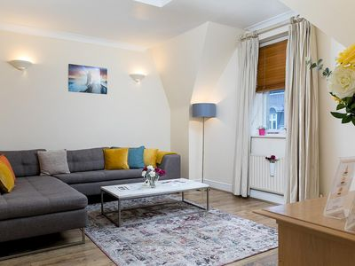 Photo for Large 1-bedroom right next to Oxford street