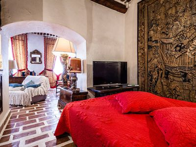 Photo for luxury bed and breakfast in the oldest neighborhood in Marseille Cart