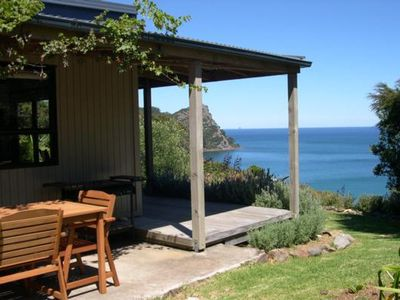 Photo for Romantic, Secluded Bay Lodge Cottage