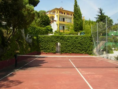 Photo for Costa Brava. House for 24. Private pool and tennis, BBQ and garden.