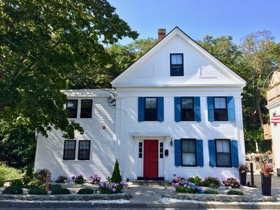 Modern, Beautiful, Historic, and Sunny 4br/3ba Condo in Central Provincetown