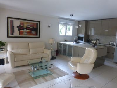 Photo for Near Croisette and Palais des Festivals, Contemporary apartment in luxury building with pool and park arbor
