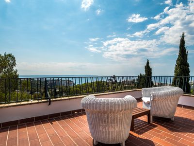 Photo for Great holiday villa with huge terrace and  breathtaking sea-view