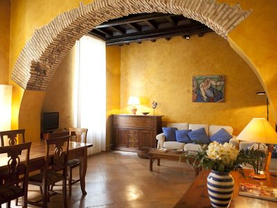 Photo for Cozy apartment few steps away from Piazza Navona