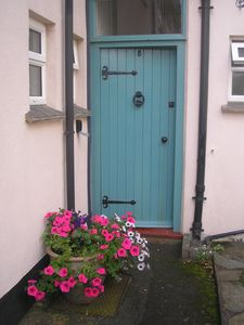 Photo for Cosy Cottage near two beautiful sandy coves in tranquil Hope Cove