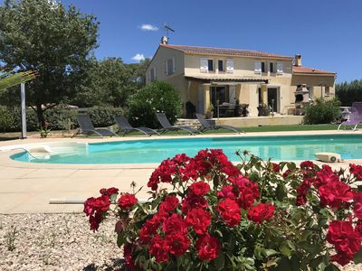 Photo for Beautiful Provencal Villa with Pool in quiet