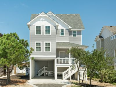 Photo for Toes In The Sand: 5 BR / 5 BA house in Nags Head, Sleeps 12