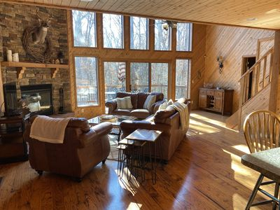 Gorgeous Chalet Getaway with Cabin Feel (sleeps 10)
