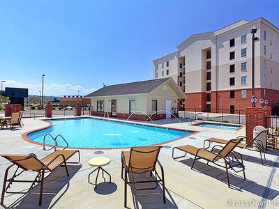 Photo for Luxury Condo! 4 Miles To Dollywood, Easy Walk To Shops & Restaurants