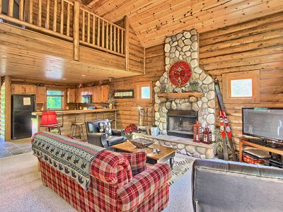 Photo for 4BR Mountain Cabin - Skiers Paradise, Slope Side, Sleeps 14