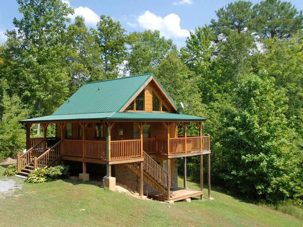 cheap tub secluded rentals hot cabins pet in friendly indoor gatlinburg private with luxury tn cabin pools
