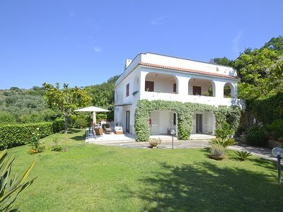 Photo for 3 bedroom Villa, sleeps 6 with FREE WiFi