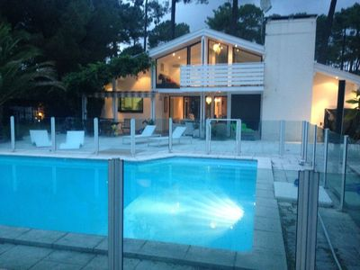 "Photo for Dream villa ""La Californienne"" in Hossegor, heated pool 8 pers"