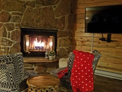 Photo for New Listing!!!Resort Studio * Fireplace * Heated Pool * 4 Hot Tubs * RMNP