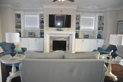 Great Room with HD TV, full cable, stereo surround, fireplace (in season only)