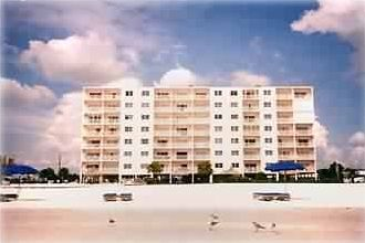 Sea Breeze Condo on Madeira Beach 6 Blocks North of John's Pass Village