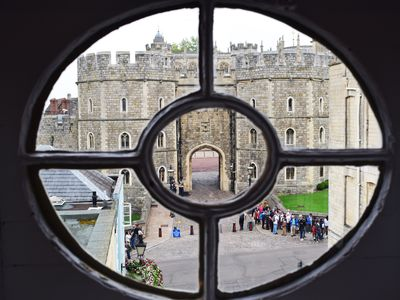 Photo for Luxury Townhouse next to Windsor Castle - Business Ready