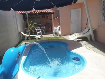 Photo for Beautiful beach, 3 suites, a children's pool, barbecue, near the pond