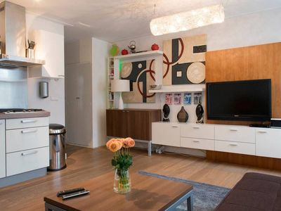 Cozy Flat in Authentic Neighborhood By Famous Market