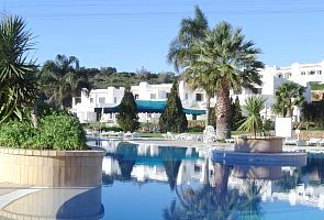 Photo for Well appointed apartment on very popular club Albufeira