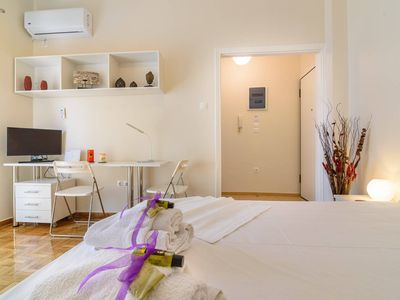 Photo for Charmy Petit 1 Bedroom Flat in Athens