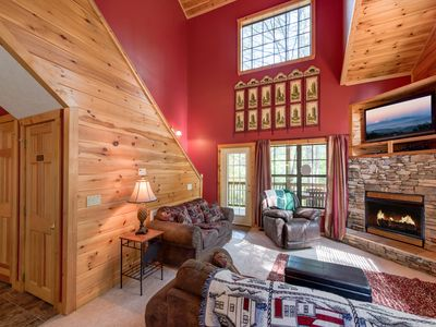 Photo for Chipmunk Chase,  2 Bedrooms, Sleeps 8, Hot Tub, Pool Table, Fireplace