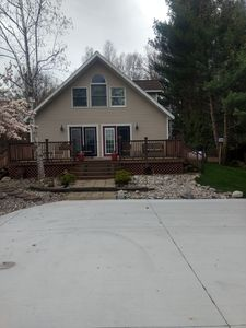 front of house, nice Deck