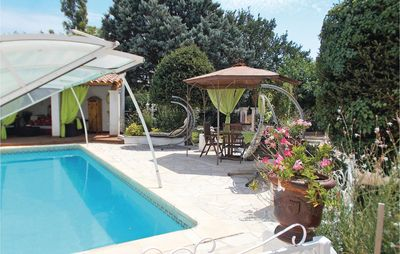 Photo for 3 bedroom accommodation in Carpentras