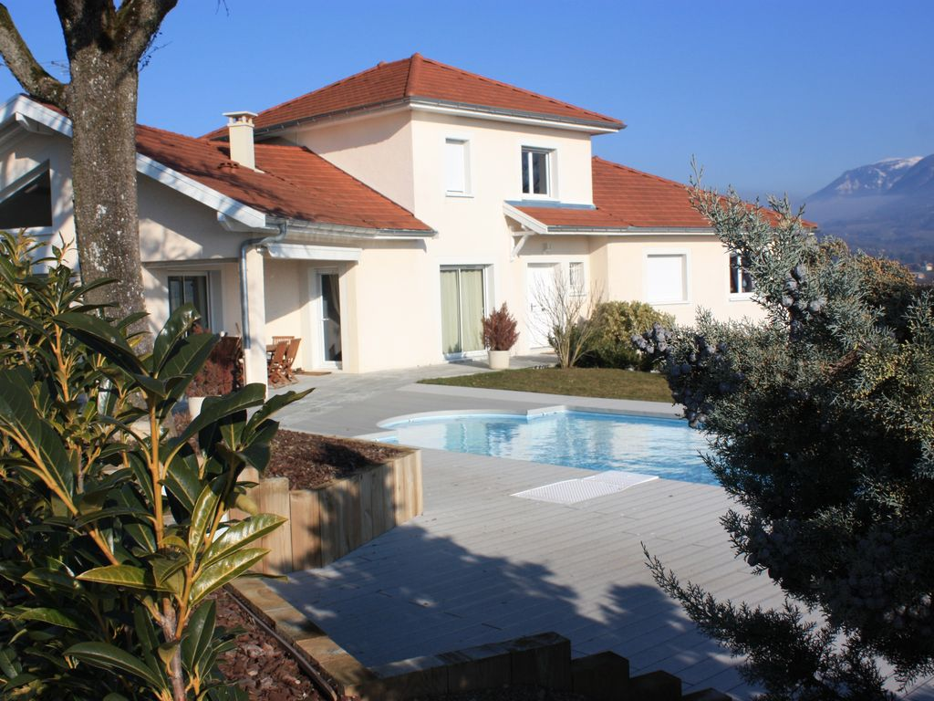 Villa with heated pool 6km from lake annecy exceptional 854312 for Lake annecy hotels swimming pool