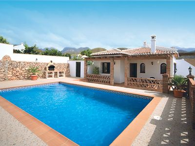 Photo for Cosy Villa ideal for small families, 10 minutes drive from amenities